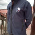Veste softshell ANPFS couleur bleu marine, poches latérales et intérieures, ajustable à la taille, modèle Homme et modèle Femme